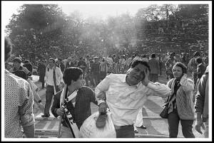 Immagini dei disordini causati da hooligans inglesi durante la finale dell' Heysel del 29 Maggio 1985 (© 39 Angeli all' Heysel )