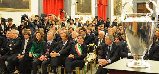 La cerimonia di consegna della Coppa alla Citta' di Roma in Campidoglio